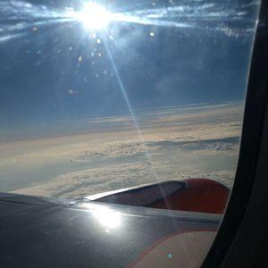 Foto van vliegtuig naar IJsland via Genève