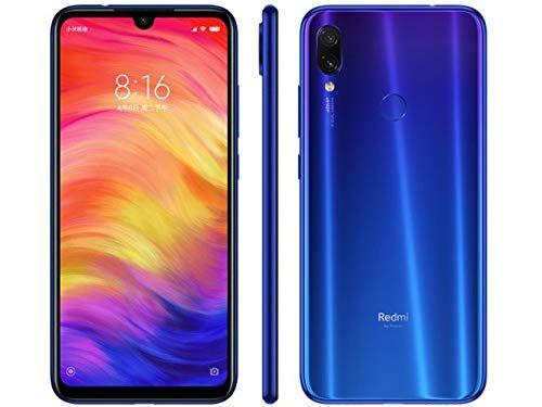 Hier zie je Xiaomi Redmi 7 in het blauw. Het is één van de beste mobieltjes voor scholieren van 2019/2020.